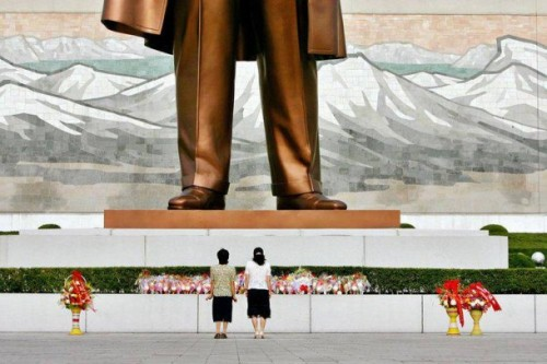 Kim Il Sung statue | North Korean underground churches.