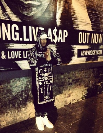 [Imagem: ASAP-Rocky-wearing-KTZ-Church-Embroidere...390878.jpg]